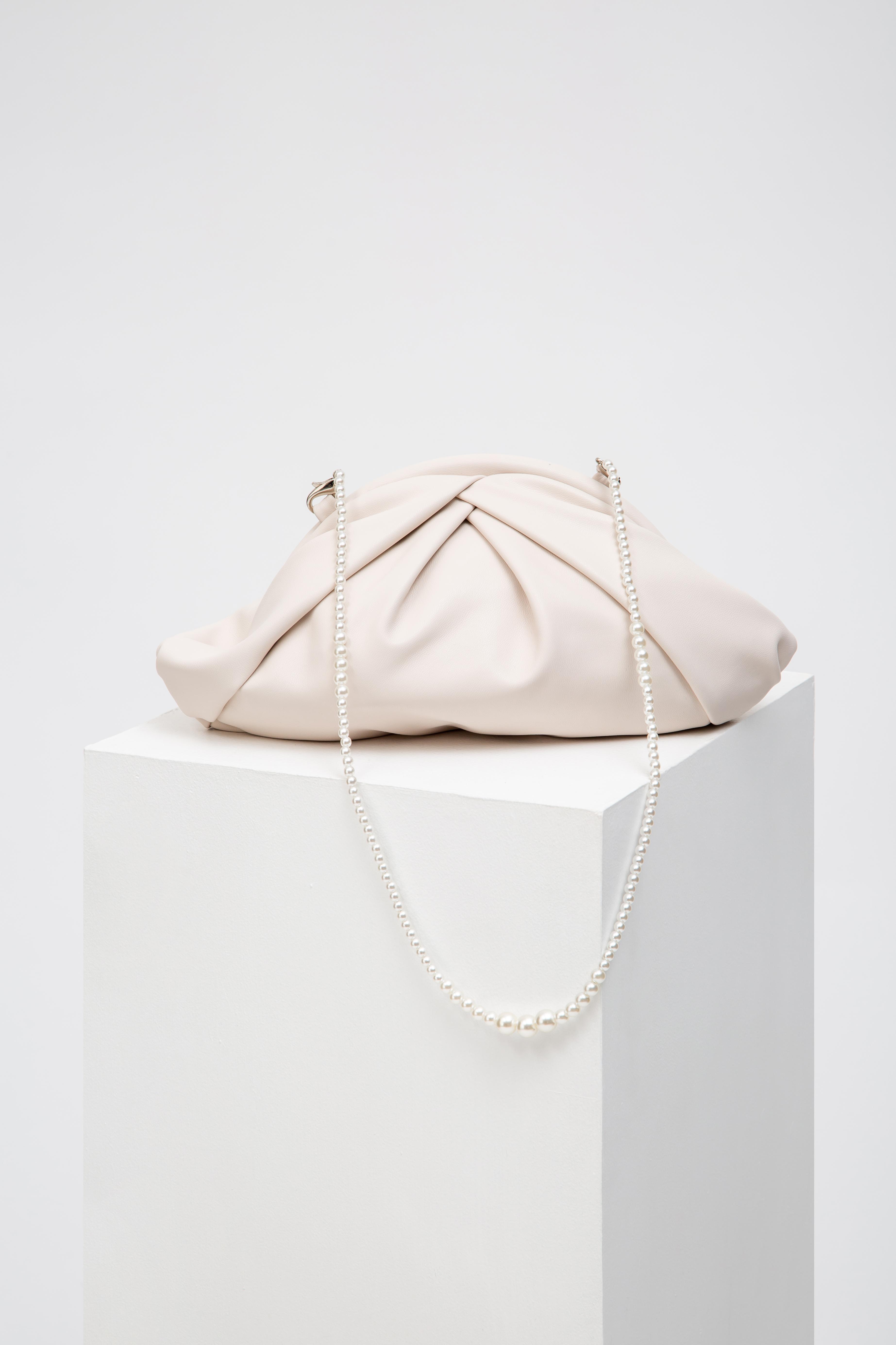 PLEATED SOFT DUMPLING BAG