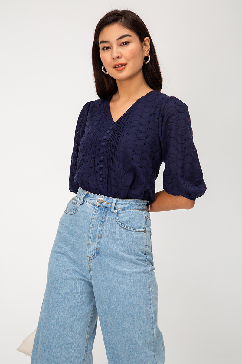 IZZIE PINTUCK EYELET BUTTONDOWN SHIRT
