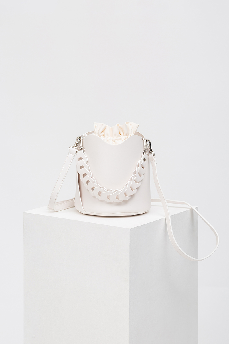 *BACKORDER* ORIA CHAIN HANDLE BUCKET BAG