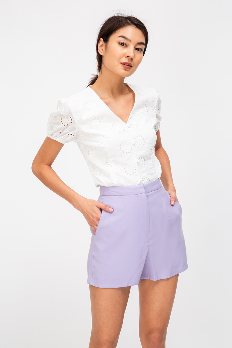 *BACKORDER* RACHEL EYELET BUTTONDOWN TOP